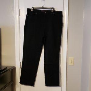 Gloria Vanderbilt Amanda black Jean's size 18